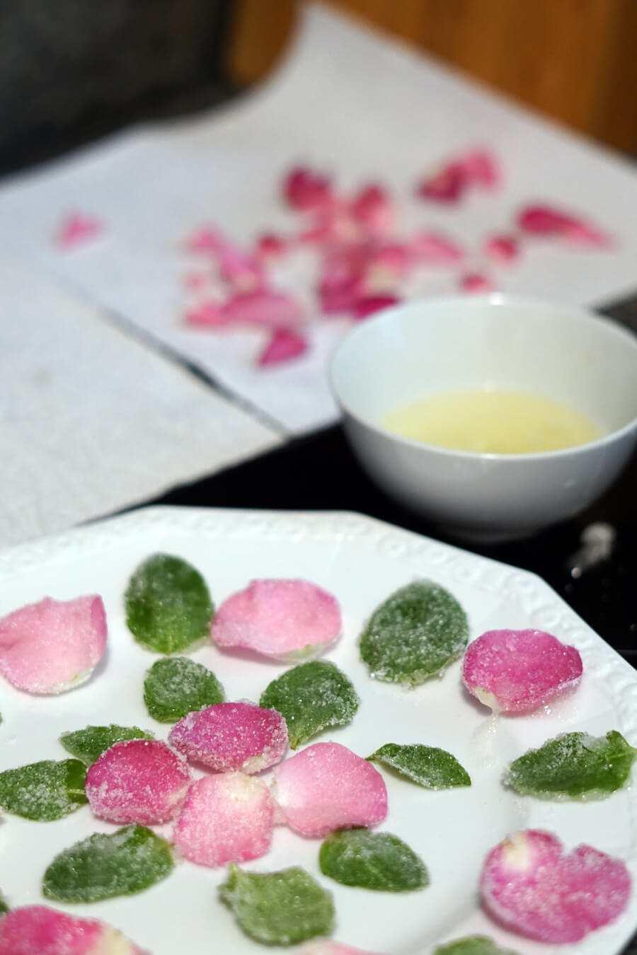 Blumendekoration für Kuchen