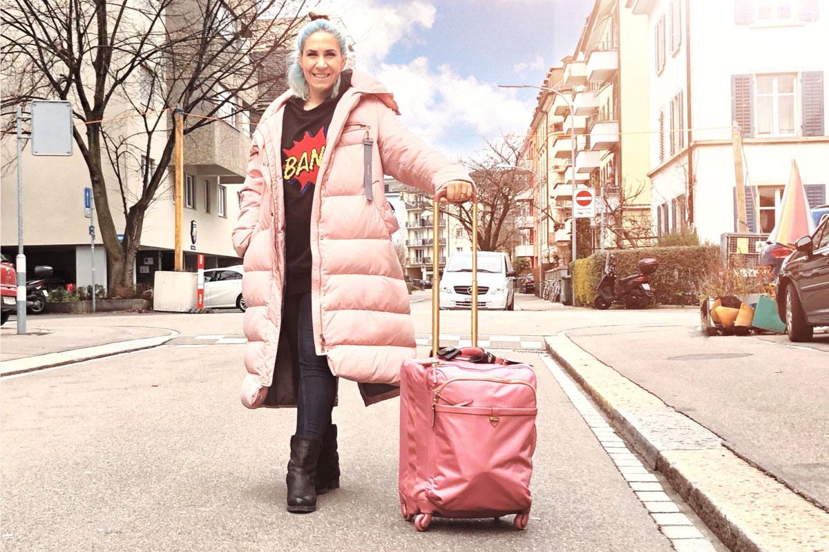Kleine Helden des Alltags: der rosa Koffer