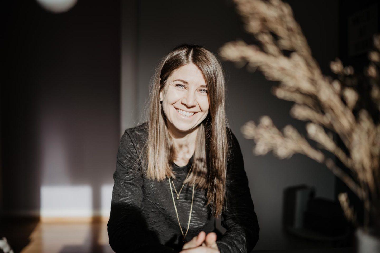 Porträt der Fotografin Nora Brumm