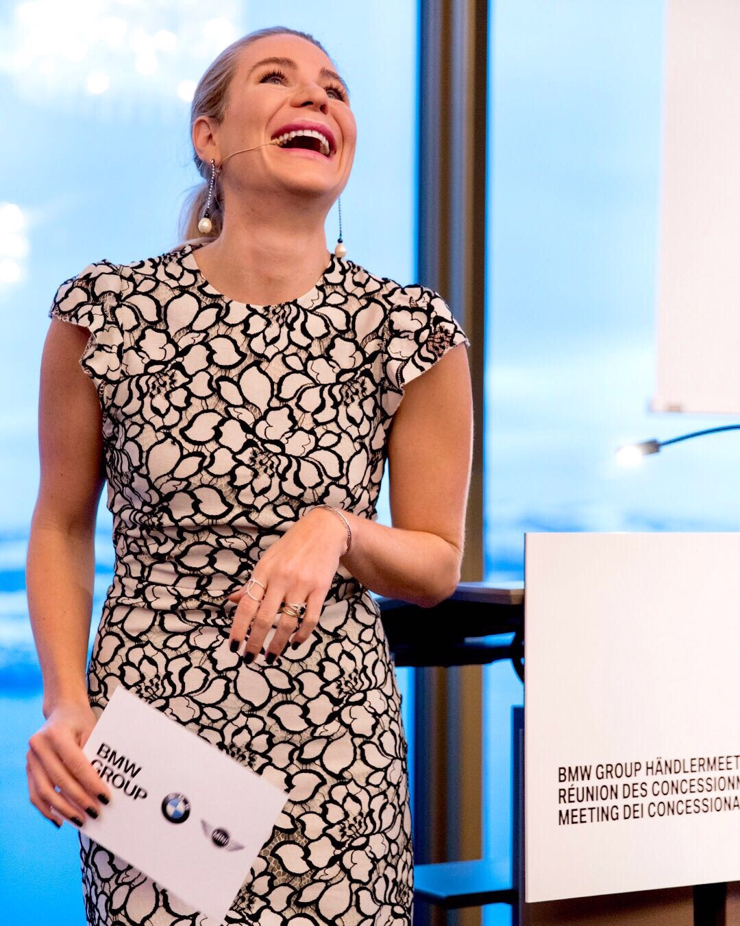 Moderatorin Sarah Andrina Schütz